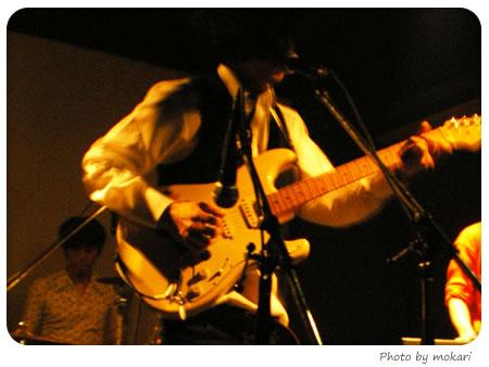 20080505-ライブ衣装にワイシャツを着る サックス編
