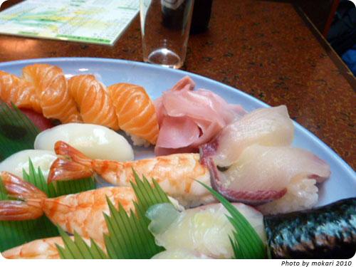 20100111-6 京都市「とみ寿司」で、江戸前にぎり寿司を家族で食べる。