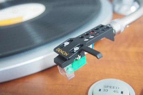 P1274565  DENONのレコードプレイヤー