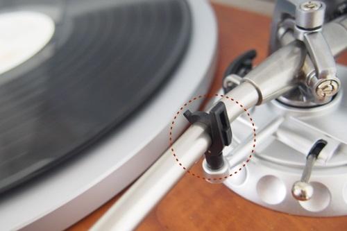 P1274574 デノンのレコードプレイヤー