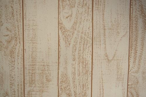 P3275565 白っぽいウッド調の壁紙