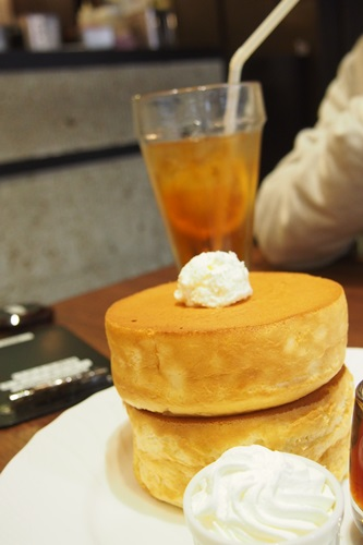 P4075789 星乃珈琲店のスフレパンケーキ