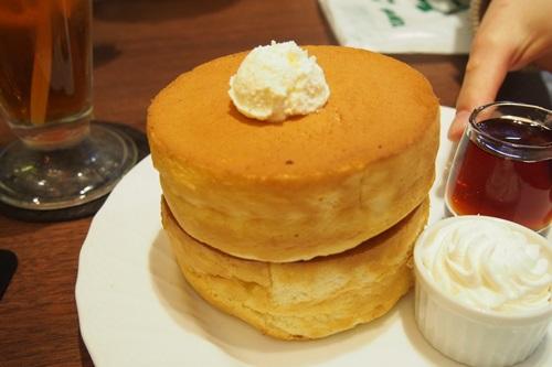 P4075792 星乃珈琲店のスフレパンケーキ