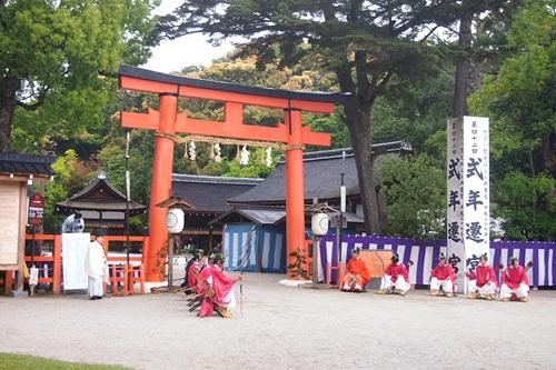 P5152955 雨の葵祭(2014年)上賀茂神社でみる