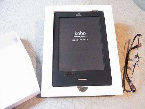 R1155537 楽天「kobo Touch」届いた。とある人妻の感想