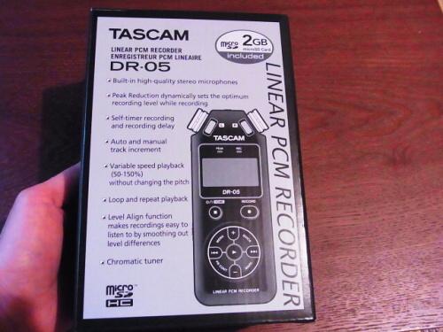 R1157760 夫へ録音するやつ(TASCAM DR-5)をプレゼント