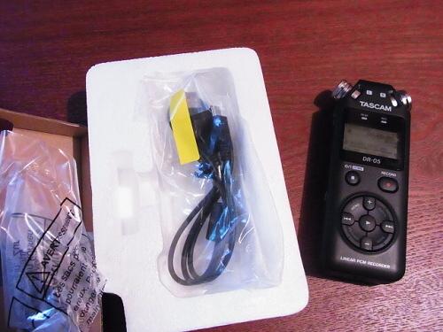 R1157761 夫へ録音するやつ(TASCAM DR-5)をプレゼント