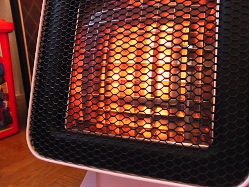 R1157980 ピンクベージュのおしゃれ暖房器具リフレクトヒーターの存在感◎