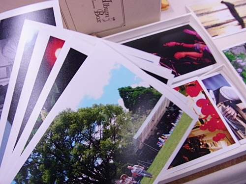 R1158482 キレイに撮れた写真をレトロに雰囲気よくプリントできるデジカメプリントサービス