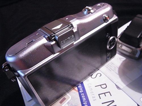 R1159335 新しい仲間「OLYMPUS PEN mini E-PM1」を紹介します。
